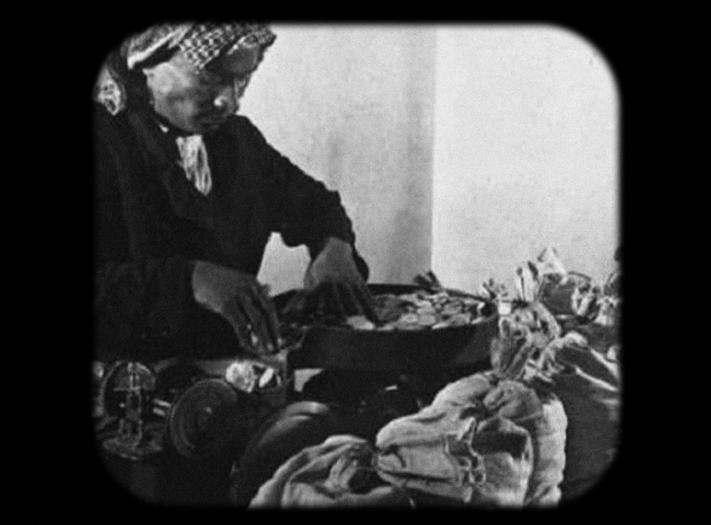 توزيع الرواتب بريالات الفضة السعودية في الظهران (1948)