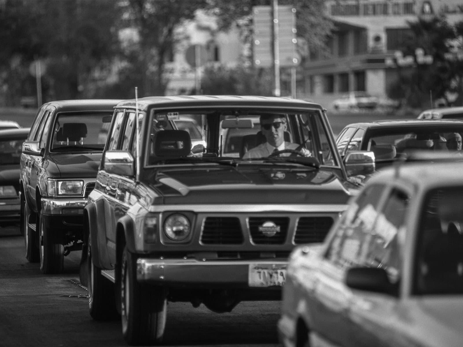 تجربة بريطاني في مواقف سيارات سعودية