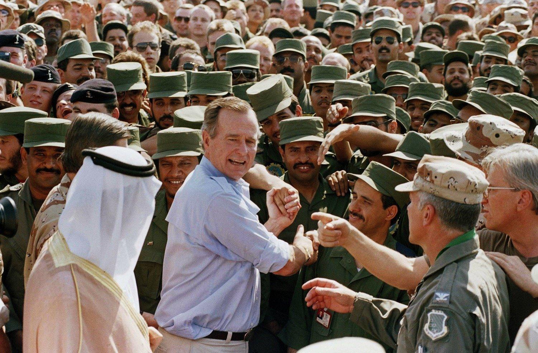 لماذا يشعر الكويتيون بالامتنان لجورج بوش الأب؟