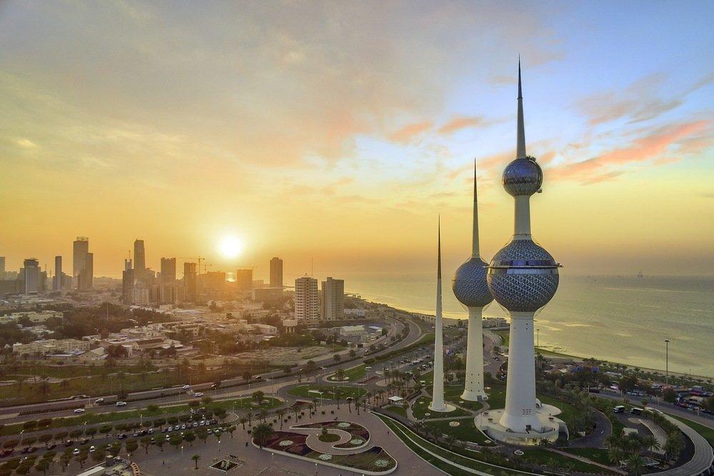 الدينار الكويتي، إلى أين؟