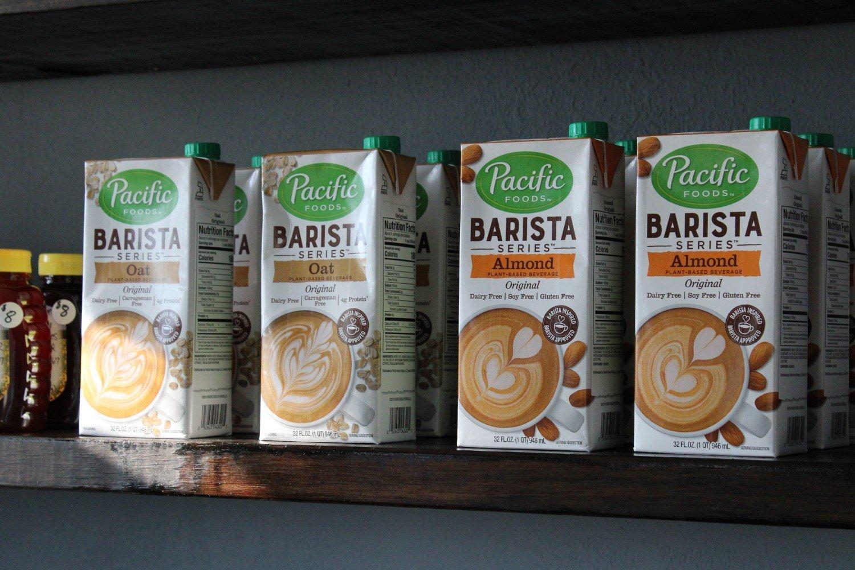 البدائل النباتية: عن حبة اللوز التي لا تدرّ الحليب