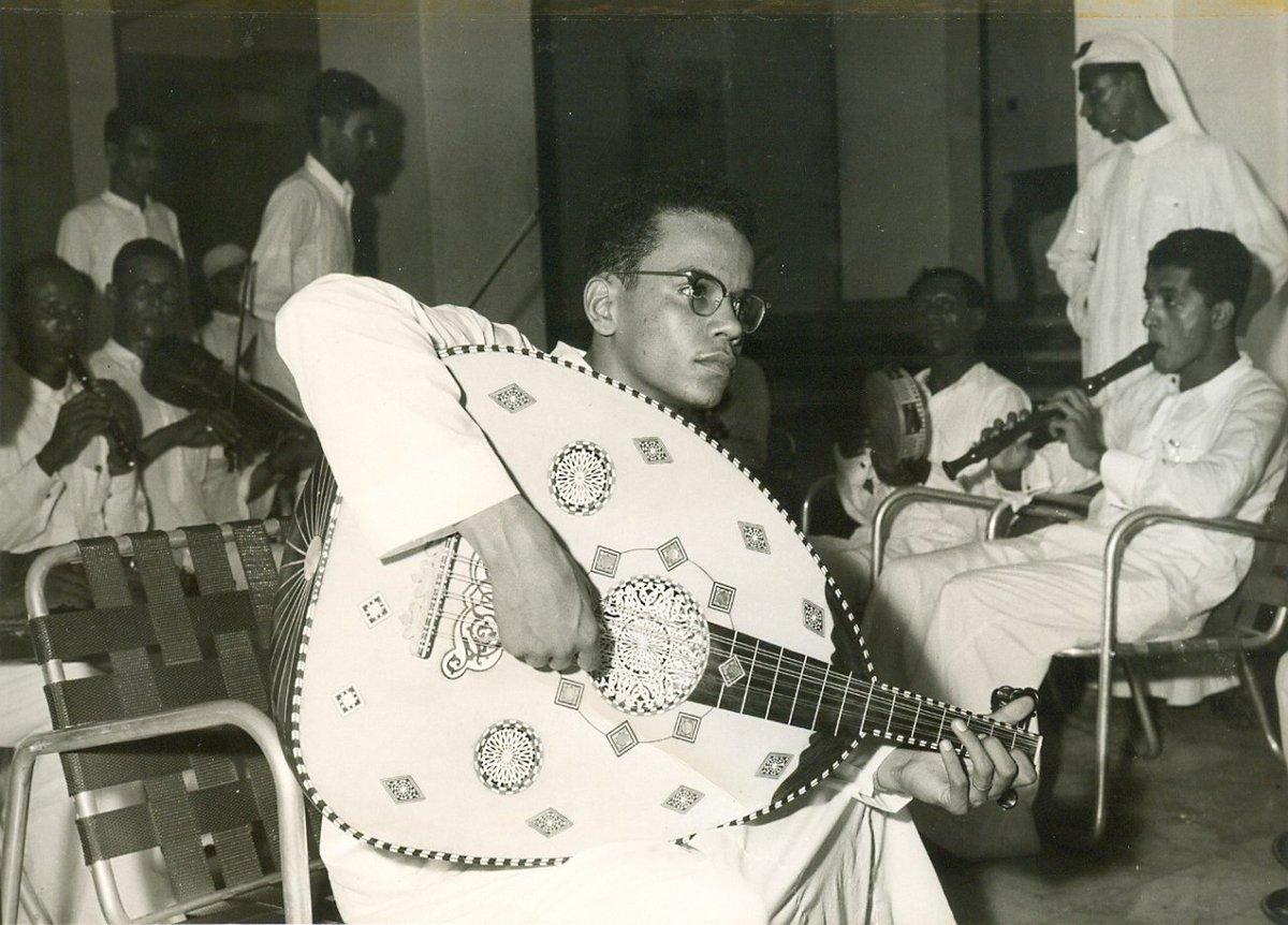 الأغنية المكبلهة وأسطورة الستينيات طلال مداح